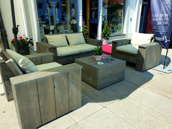 Lounge Set in Bauholzoptik